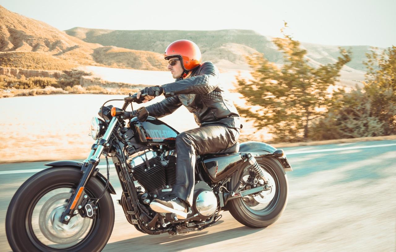 Photo Harley Davidson laurent scavone pour Motoblouz / photos presse moto / équipement du motard