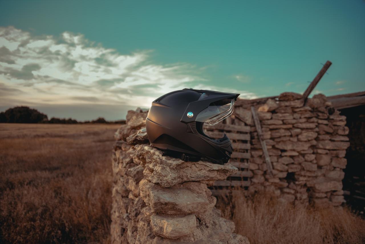 Photo de casques moto laurent scavone / Motoblouz / Création de contenu de marque / casque moto