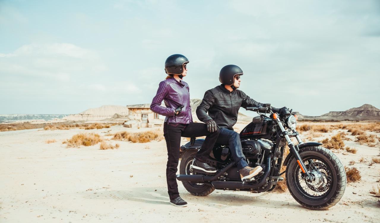 Photo : laurent scavone / Motoblouz / campagne publicitaire / blousons et casques moto